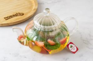 Чай с клубникой и мятой - фото шаг 5