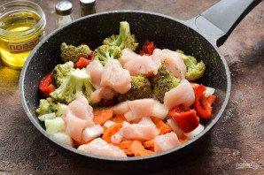 Овощное рагу с курицей и брокколи - фото шаг 6