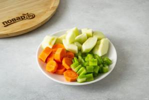 Смузи из сельдерея, яблока и апельсина - фото шаг 2